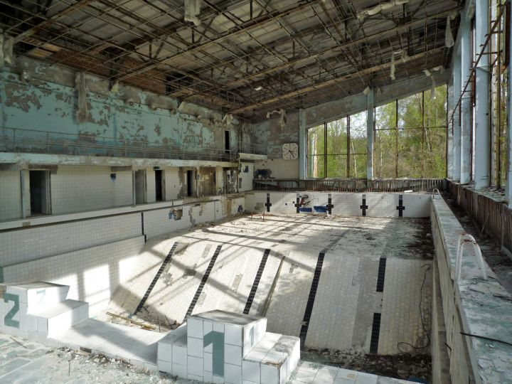 Photo Swimming Pool Deep End In Chernobyl